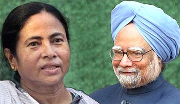 Prime Minister Manmohan Singh and Trinamool Congress chief Mamata Banerjee