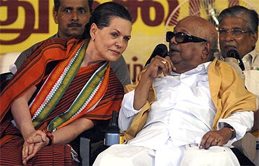 Congress chief Sonia Gandhi and DMK chief Karunanidhi