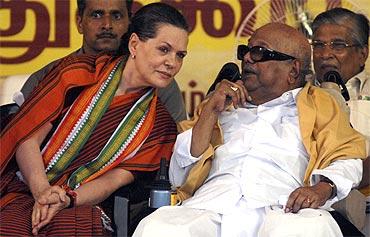 Congress chief Sonia Gandhi and DMK chief Karunanidhi