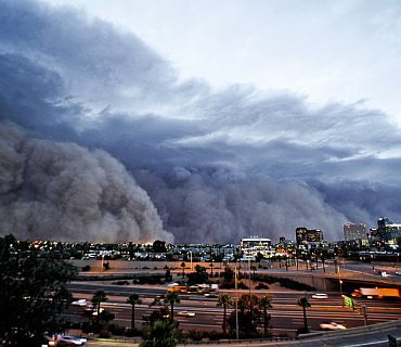 Mother of all dust storms hits Arizona