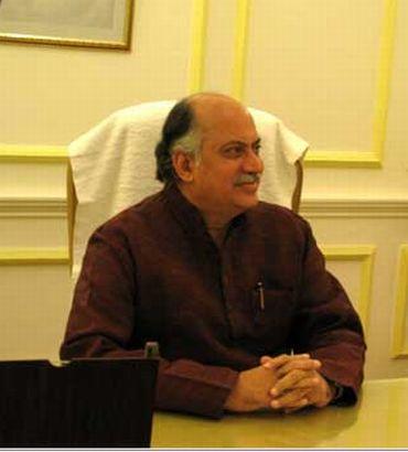 Sulking minister Gurudas Kamat quits