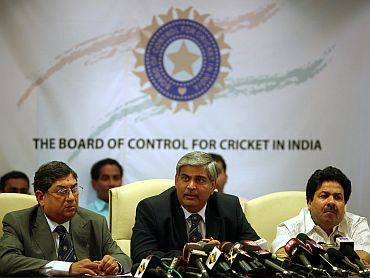 BCCI chief Shashank Manohar with vice president Rajiv Shukla (right) during a media interaction