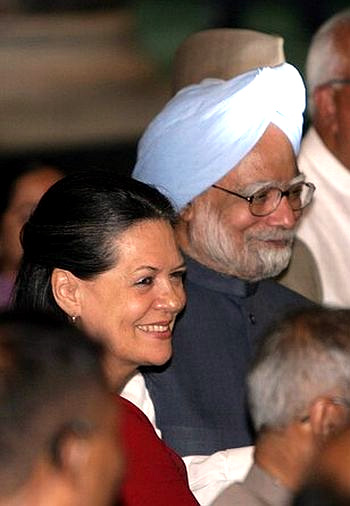 Congress chief Sonia Gandhi with Prime Minister Dr Manmohan Singh