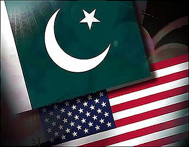 The flags of Pakistan and the US