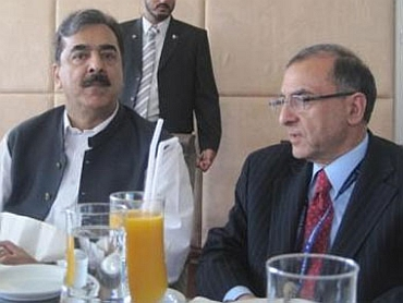 Pakistan PM Yousaf Raza Gilani with Fai