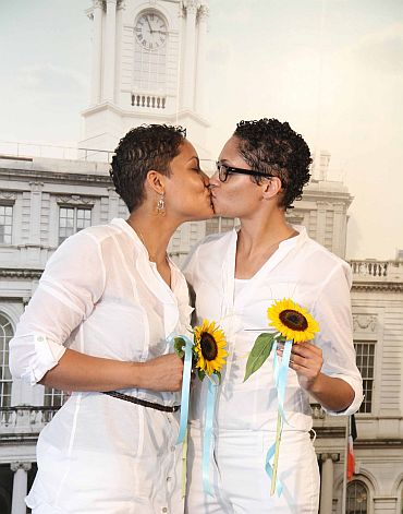 First gay marriages in New York