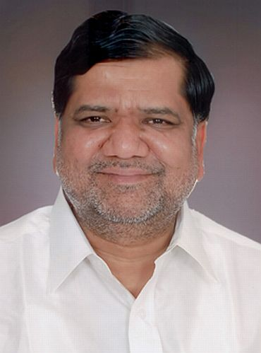 The B S Yeddyurappa faction want Jagadish Shettar to be the new CM