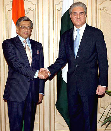 A file photo of former Pakistan Foreign Minister Shah Mahmood Qureshi with S M Krishna