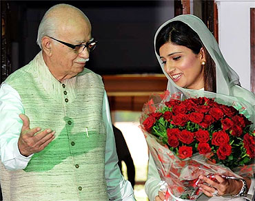 Hina Rabbani Khar with senior BJP leader L K Advani