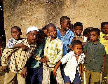 Siddi tribal children in Shirvan, Gujarat