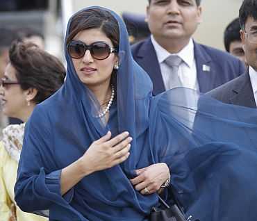 Hina Rabbani Khar arrives in New Delhi airport for bilateral talks on Tuesday