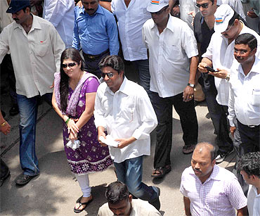 Raj Thackeray, who joined the rally, voiced his concerns on the mill workers issue