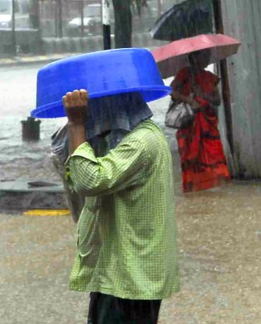 PHOTOS: Heavy rains slow down Mumbai