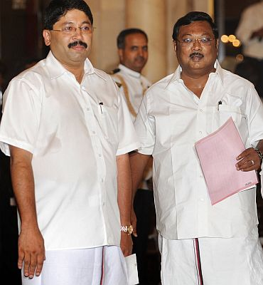 Will DMK ministers pull out of UPA on Friday?