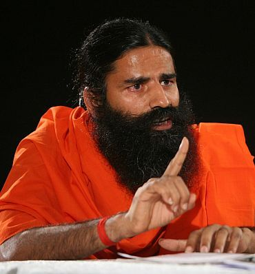 Congress launches campaign against Anna, Ramdev, BJP