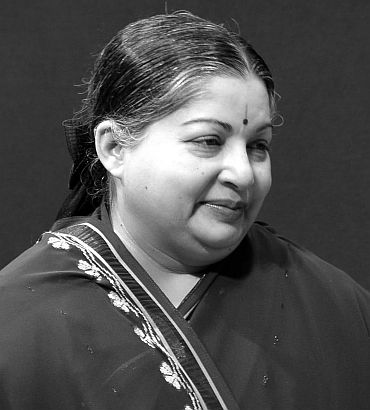 Jayalalithaa in politically-charged New Delhi