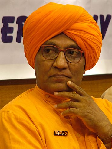 Swami Agnivesh to enter reality show 'Bigg Boss'