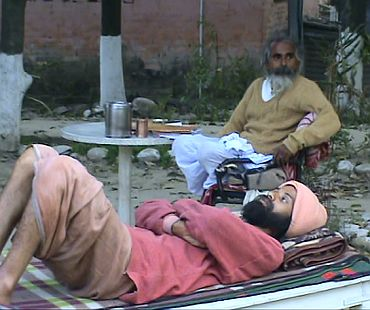 Ascetic dies after 114-day fast for Ganga