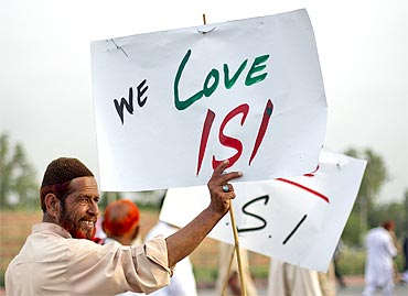 Protesters rally in favour of Pakistan's army and Inter Services Intelligence in Islamabad