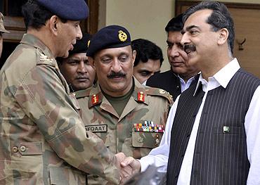 General Ashfaq Parvez Kayani with Pakistan Prime Minister Yusuf Raza Gilani