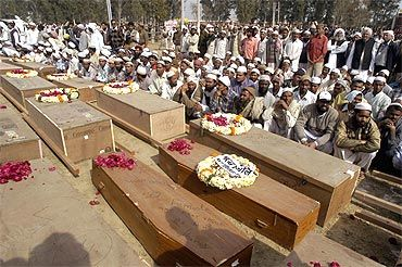 Coffins of the Pakistani victims of Samjhauta blasts
