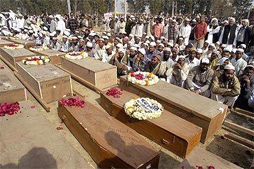Coffins of the Pakistani victims of Samjhauta blasts