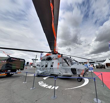 The EC 725 Caracal is a helicopter designed to perform missions of search and rescue combat (Resco), troop transport over long distances and special missions, the fight against terrorism and state rescue missions at sea