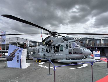 The NH90 is a helicopter or Cayman Europe (France, Germany, Italy, Netherlands, Portugal, Belgium) of the class of 10 tonnes is available in two versions 'Earth' and 'Marine'