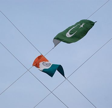 The national flags of India and Pakistan