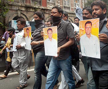 Journalists protest J Dey's murder in Mumbai