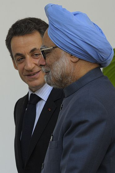 PM Singh with French President Nicolas Sarkozy in New Delhi