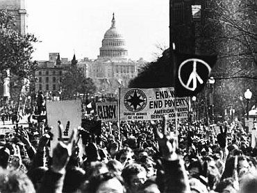 More than 500,000 people marched on Washington to protest the US involvement in the Vietnam War