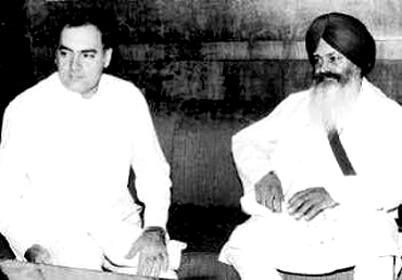 Late Prime Minister Rajiv Gandhi with Harchand Singh Longowal