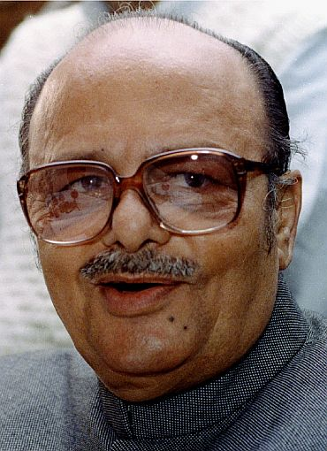 Congress leader Arjun Singh dies at 81