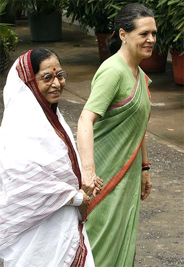 Congress chief Sonia Gandhi with President Pratibha Patil
