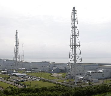 Tokyo Electric Power Co's Kashiwazaki-Kariwa nuclear power plant is seen in Kashiwazaki in this July 18, 2007 file photo