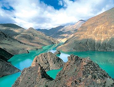 Yamdroq Tso, Tibet