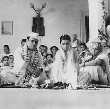 Firoze and Indira's wedding was as per Hindu rituals