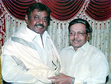 Ramachandran with DMDK chief Vijayakanth