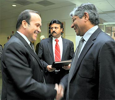 Arun Kumar Singh (right) in conversation with Namik Tan (left) and Benoy Thomas