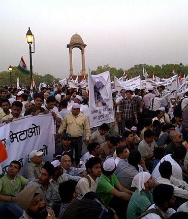 Anna Hazare's army hits the streets again