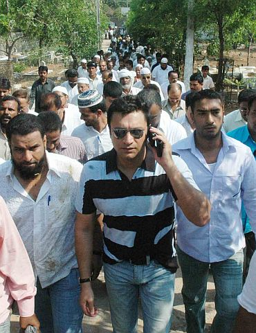 Photo of Akbaruddin Owaisi on padayatra with his supporters hours before the firing