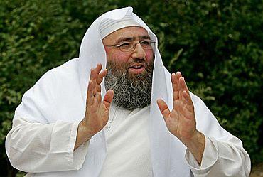 Radical Islamist cleric Omar Bakri