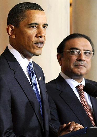 Zardari with US President Obama at a media briefing in Washington, DC