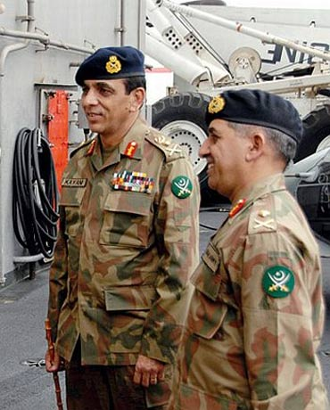 Pakistan;s Army chief Gen Ashfaq Parvez Kayani (right) with ISI chief Lt Gen Ahmed Shuja Pasha