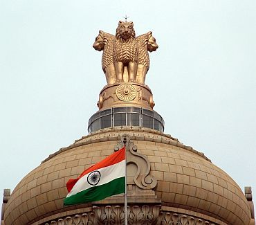 Ministers, MPs and bureaucrats too in Lokpal radar