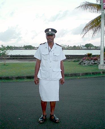 A Samoan police officer