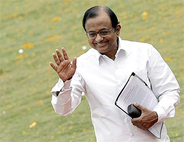 The ambitious P Chidambaram is working at cross purposes with the PM's agenda in improving relation with Pakistan, while Pranab Mukherjee and Chidambaram have nothing in common except their party