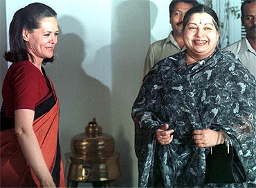 Jayalalitha with Congress President Sonia Gandhi in 1991
