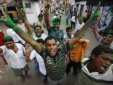 Mamata turns Bengal green